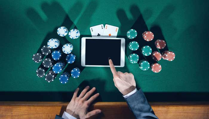Which form of poker is better?